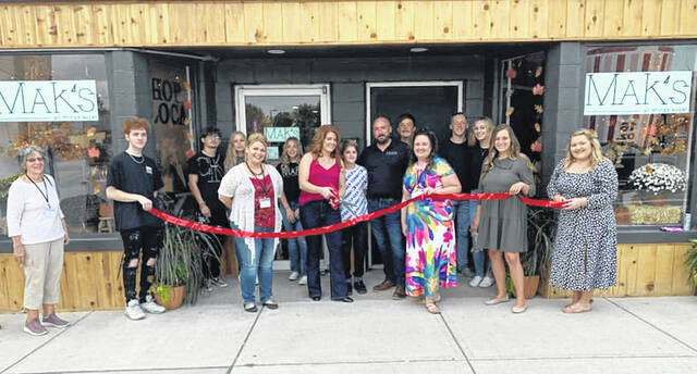 Mak's Bakery and the Blanchester Area Chamber of Commerce teamed up for a ribbon-cutting.