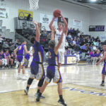 Bulldogs lose lead late against Fayette