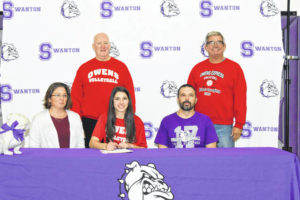 Alexis Sarvo signs with Owens