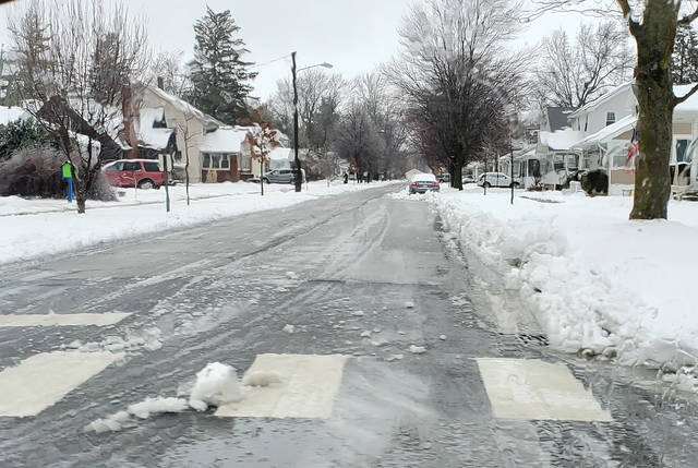 Following simple tips can help keep drivers safe on winter roads.