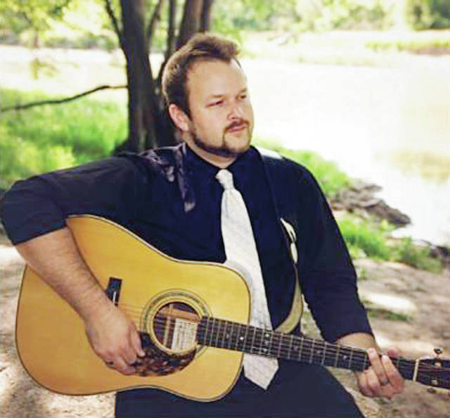 Lee Warren, a musician from Findlay, Ohio, will entertain at the 9th Annual Cheers for Charity event.