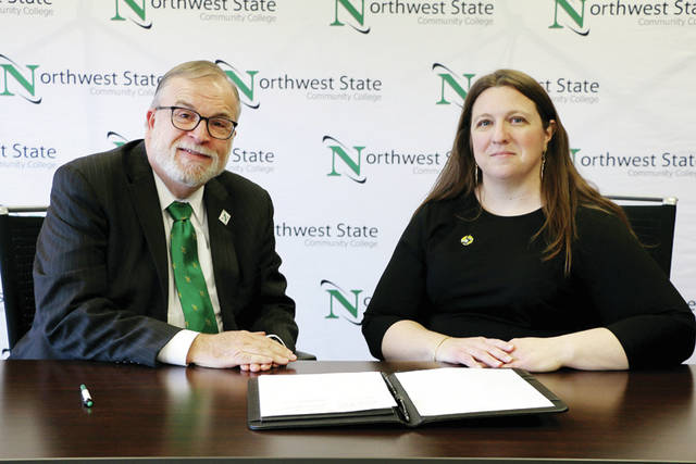 NSCC President Dr. Michael Thomson participated in the signing with PFW Executive Director of General Studies La Tishia Horrell.