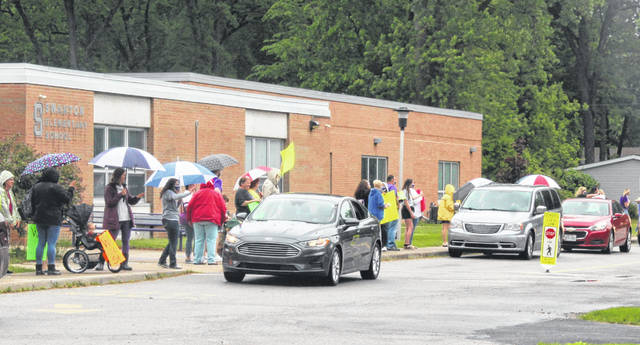 Swanton Elementary School students got a chance to see their teachers one more time as the unprecedented school year came to a close. An end of the year goodbye parade was held Friday with teachers lining the sidewalk so everyone could say their goodbyes.