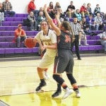 Southern storms past Lady Golden Eagles, 60-42