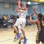 Sherman outlasts Wildcats, 67-62