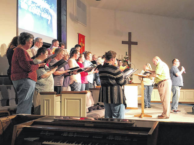 Mason County Community Cantata practicing for this weekend's performances.