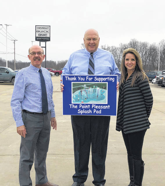 Pictured are Mark Porter with Mayor Brian Billings and City Clerk Amber Tatterson. Porter purchased two components of the splash pad for Krodel Park.