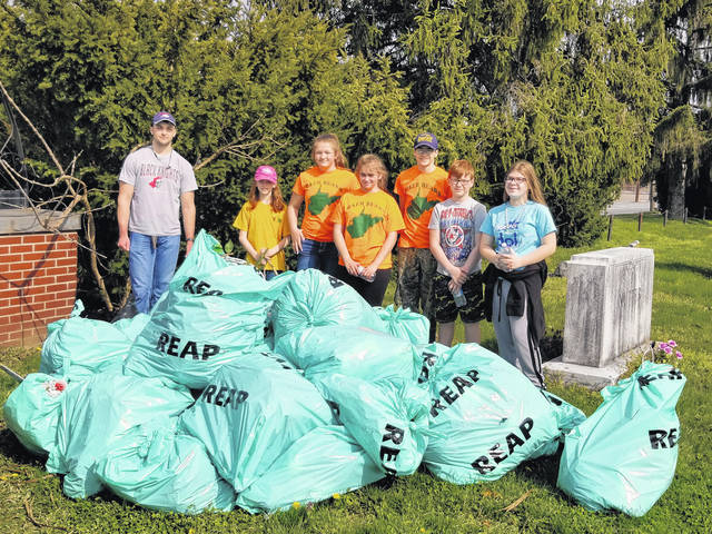 Haer Bears participated in the city wide cleanup, April 14th by collecting 30 bags of trash from the Suncrest and Lone Oak cemeteries.