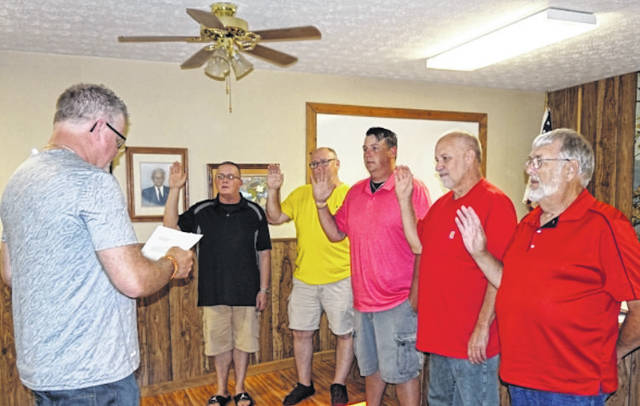Five council members were sworn into office in New Haven recently by Mayor Jerry Spradling, pictured at left. Council members, from left, are incumbents George Gibbs, Grant Hysell and Matt Shell, along with newcomers Steve Carpenter and Roy Dale Grimm.