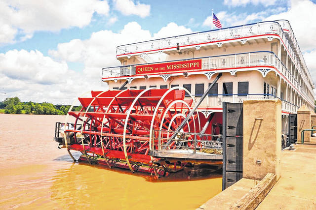 The Queen of the Mississippi is an American Cruise Line paddlewheel riverboat which combines modern amenities with designs mirroring the days when steamboat paddlewheelers traveled the Mississippi River in the early 19th century.