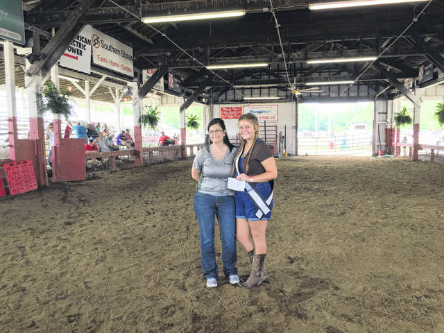 Sarah Deem was the recipient of the Donnie Hill 4-H Award.