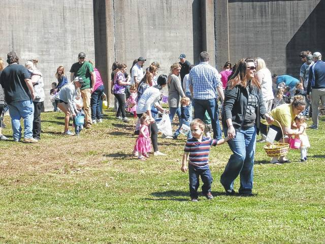 As soon as the alert is given, children spread throughout Tu-Endie-Wei State Park trying to get as many Easter eggs in their baskets as they can.