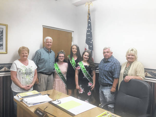 The Mason County Commission recently recognized the 2019 4-H royalty. Those pictured, from left, are 4-H advisor Linda Roush, Commissioner Rick Handley, Junior Miss 4-H Alasaundra Reed, Miss 4-H Karli Stewart, Young Miss 4-H Riley Springston, Commissioners Sam Nibert and Tracy Doolittle.