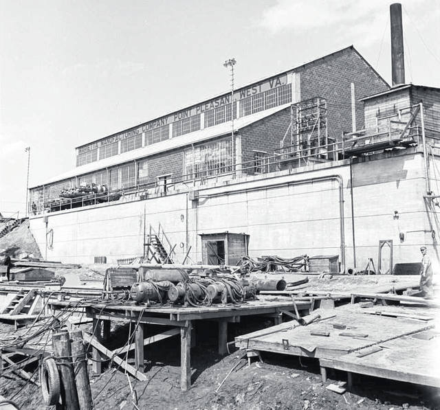 One of the surviving buildings of the Marietta Manufacturing Company, seen in a 1943 photo taken by the Office of War Information.