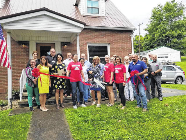 On Tuesday, the Gallia County Chamber of Commerce held a ribbon cutting for new Gallia business, Robin Fowler State Farm.