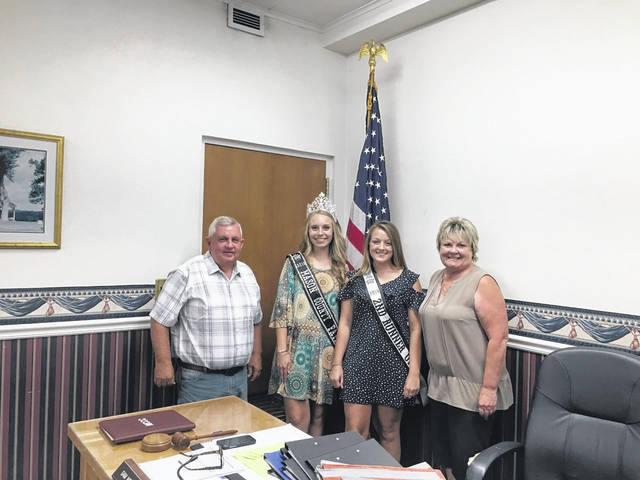 The Mason County Commission recently offered congratulations and recognized the 2019 Mason County Fair Royalty at this week's commision meeting. Mason County Fair Queen Marlee Bruner was in attendance with Second Runner-up Crimson Cochran. The girls shared highlights about their time at this year's fair and talked about their year ahead. Those pictured, from left, are Commissioner Sam Nibert, Bruner, Cochran, and Commissioner Tracy Doolitle.