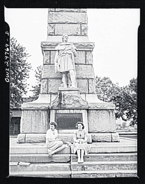 The Battle Monument in 1943, taken by Office of War Information photographer Arthur Siegel. Ladies unidentified. (Library of Congress Farm Security Administration/Office of War Information | Courtesy)