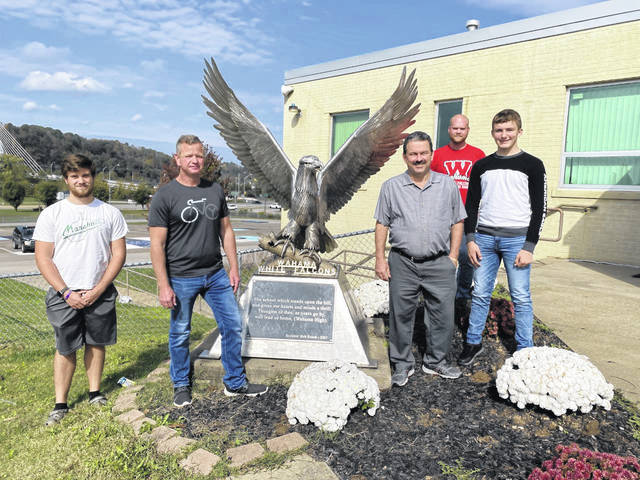 Jodie Roush and Charlie Tyree have been chosen by the Wahama High School S.A.D.D. as high school and elementary school teacher of the year, respectively. Pictured, from left, are Nolan Pierce, S.A.D.D. advisor; Roush; Tyree; Matt Bradley, S.A.D.D. advisor; and Kelsyn Spencer, S.A.D.D. president. (Mindy Kearns | Courtesy)