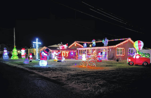 The Town of Mason will also be sponsoring a house decorating contest for those living within the municipality. Winners will receive cash prizes, and those wishing to participate must call the town hall to register. Pictured is the home of Homer and Tammy Newell on Third Street. (Mindy Kearns | Courtesy)