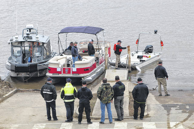 A large presence of first responders gathered at the Gallipolis Public Use Area along the Ohio River on Thursday. (Beth Sergent | OVP)
