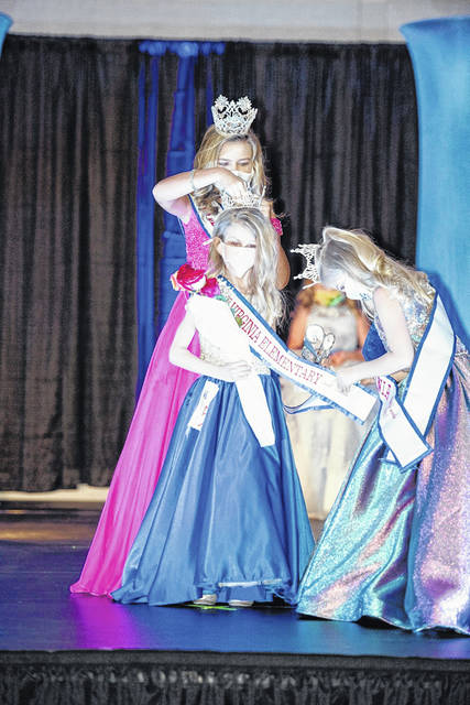 Ella Grant of Southside was crowned the 2021 Miss West Virginia Elementary America 2nd Grade Queen. She will now travel to Little Rock, Arkansas to compete in the national pageant. Grant is being crowned by Olivia Sinnett, Miss Elementary America 4th Grade Queen and the 2020 Miss West Virginia Elementary First Grade Queen, Karmen Rothgeb.