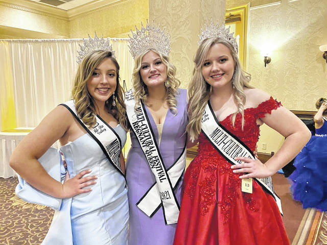 Pictured from left are Lillian Bowles, Delaney Roberts and Reghan Cossin.