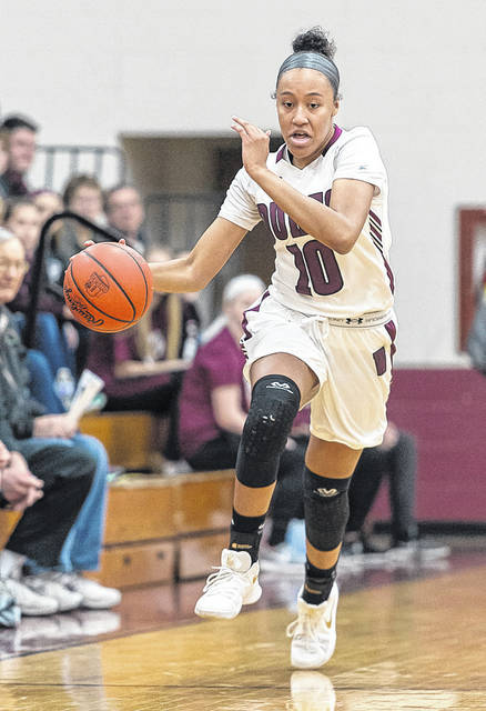 Wellington's Jalen Gibbs brings the ball up on a break against Independence.
