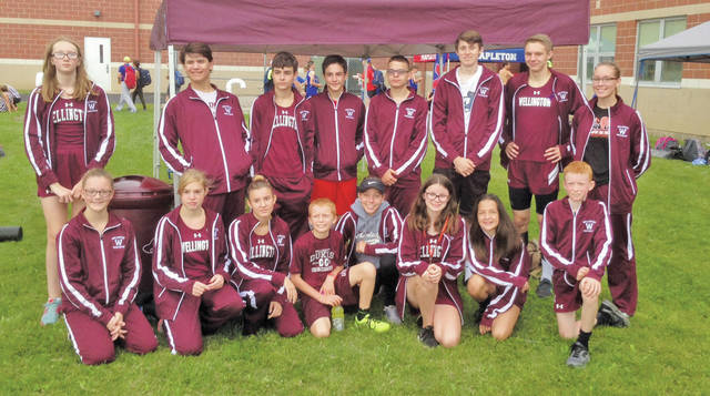 The 2018 Dukes cross country team poses Sept. 15 at the Galion meet.