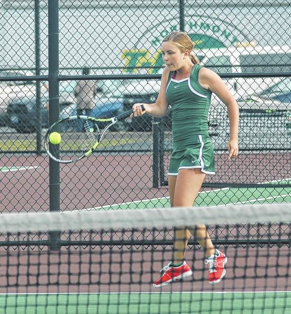 <strong>Lauren Kelsey returns a shot against Amelia Zweizig of Tippecanoe.</strong>