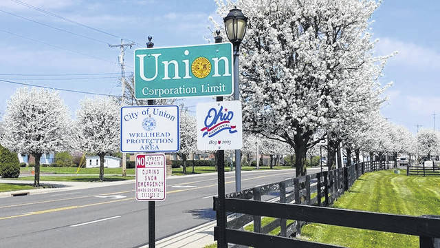 <strong></strong><strong>The City of Union has adopted legislation in an effort to designate areas where new cellular poles can be erected as long as they meet certain restrictions.</strong>