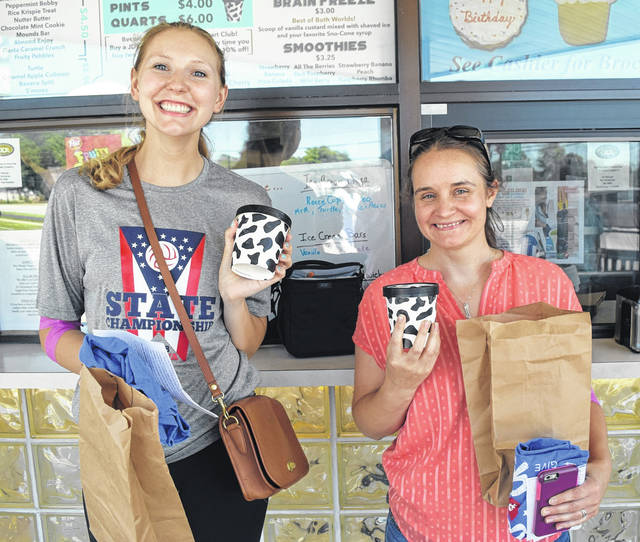 <strong>Englewood donors Cori Blankenship & Becky Cornelius pick up free pint of JD's Old Fashioned Frozen Custard.</strong>