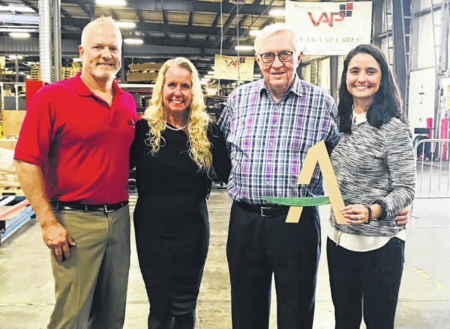 <strong>Pictured left to right: Jarod and Mari Wenrick of Value Added Packaging with Clay Mathile and Nicole Luisi of Aileron.</strong>