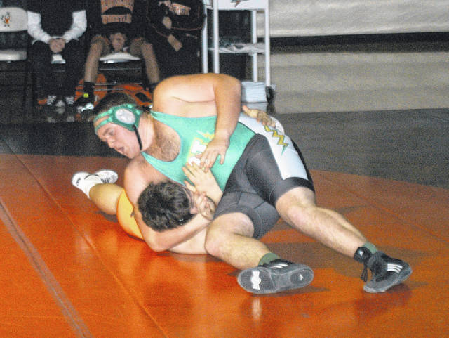 <strong>Seth Frantz won by a fall in 5:03 vs. Justin Knipper in the heavyweight match at Beavercreek.</strong>