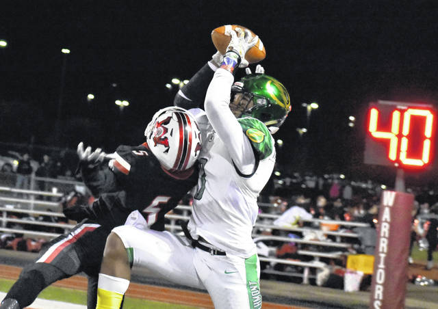<strong>Markus Allen hauls in a touchdown pass over the top of Wayne defender Jah'rod Lankford.</strong>