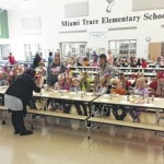 MT Elementary serves Thanksgiving meals to students
