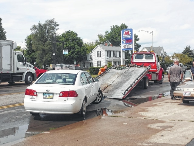 An accident that occurred in front of Rent-2-Own in Washington Court House Tuesday blocked traffic while Washington Police Department officers and several towing companies worked to remove the vehicles. No major injuries were reported from the scene.