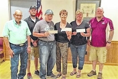 Recently, Washington C.H. Elks Lodge #129 presented checks to the three recipients of the Elks 2016 National Foundation Gratitude Grant. The recipients are the Fayette County Special Olympics, the Fayette County Food Pantry and Hospice of Fayette County. Pictured left to right are Chairman of the Trustees, PER Charlie Dodds; Tim Stewart from Fayette County Special Olympics; Chuck Stackhouse, athlete in the Special Olympics; Karen Bloedel from the Fayette County Food Pantry; Barbie Wallace from Hospice of Fayette County, and Exalted Ruler for Washington Court House Elks Lodge #129 Scott C. Mullen.