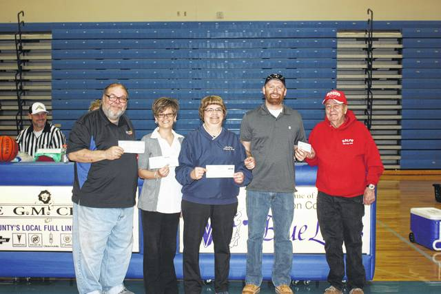 The Fayette County Board of Developmental Disabilities recently thanked the Fayette County community for its support at the sixth-annual Dwight Turner Memorial Spaghetti Dinner and the Guns-n-Hoses/Dragons benefit basketball game. Pictured are sponsors of the Guns-N-Hoses/Dragons benefit game.