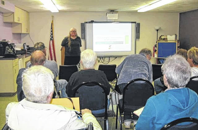 """Kelli Bergheimer, Central Ohio DNA Interest Group facilitator and professional genealogist, presenting her program """"DNA for Beginners"""" on Oct. 16."""