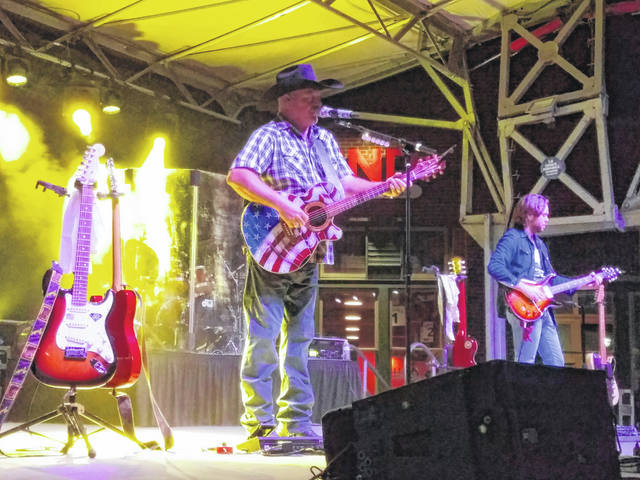 With an introduction from the Scarecrow Festival Queen and her court, John Michael Montgomery performed some of his classic hits Saturday night at the 2018 Scarecrow Festival to entertain the large crowd that gathered on Main Street in Washington Court House.