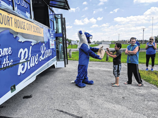 Washington Court House City Schools launched their Big Blue Bus on Tuesday. The bus will be traveling to different locations throughout Washington Court House this summer to provide nutritional meals to those ages 18 and younger at no cost.