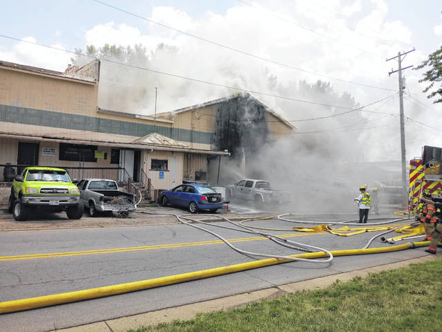 Responders reported to Hixon Towing on Friday afternoon where a fire had broken out. Jerry Hixon, the owner of the business, sustained injuries to his right hand. He was treated at the hospital and he returned to the scene to be with his family and employees. One dog was trapped inside the building but was saved through joint efforts.