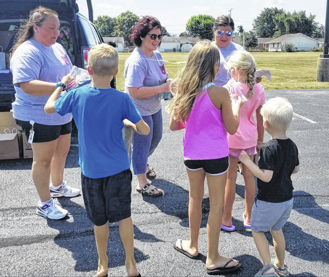 With school quickly approaching, Fayette County Memorial Hospital handed out hygiene kits to local children on Friday.
