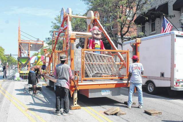 Organizers, vendors and more could be seen around downtown Washington Court House Thursday afternoon as they prepare for the 2019 Scarecrow Festival being held from today through Sunday. Ride company employees worked diligently Thursday to get ready for the crowds.