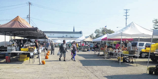 The final 2019 Saturday Farmers Market of this year was held this past weekend with many vendors and residents in attendance. With many homemade sweets, prime cuts of meat, handmade blankets and more, the Farmers Market was full of a little something for everyone.