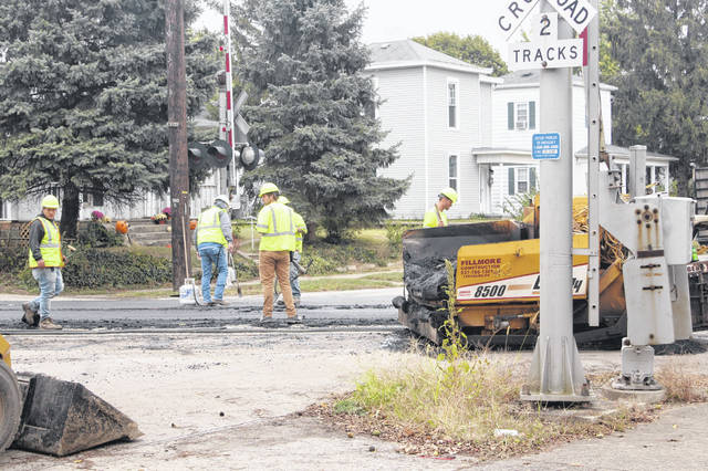 A portion of North North Street in Washington Court House was closed on Wednesday as crews resurfaced the railroad tracks. According to one of the workers on site, the resurfacing was expected to be finished by the end of the day.