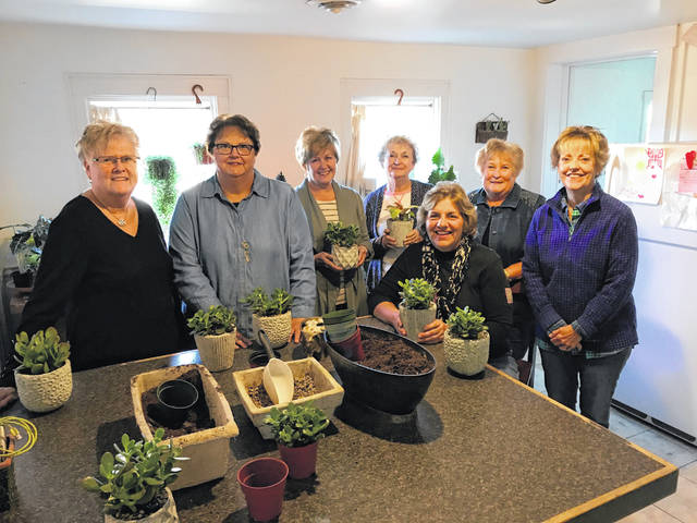 Deer Creek Daisies recently visited the Wild Roots Botanicals in Chillicothe. Present were (L-R) Judy Gentry, Joyce Schlichter, Billie Lanman, Marty Cook, Shirley Pettit, Kendra Knecht and Rita Lanman.