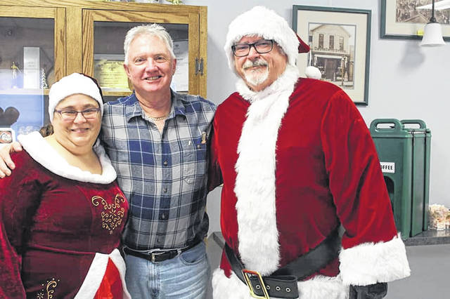 Jeffersonville Mayor Bob Kinzer enjoyed last year's senior dinner and a visit from Santa and Mrs. Claus.