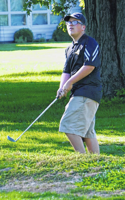 Miami Trace's Kaden Noble watches his chip shot onto the green during a non-conference match with Washington and Circleville Thursday, Aug. 20, 2020 at The Greens.