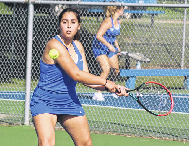 Washington's Sofia Siscoe keeps her eyes on the ball during a third singles match against Logan Elm Wednesday, Aug. 19, 2020 at Gardner Park.